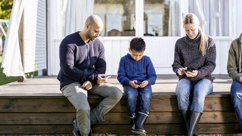 Samtaler face-to-face fortjener større oppmerksomhet enn baksiden av mobilen din.
