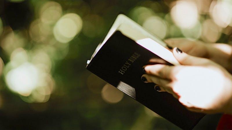 14 bibelvers om at Gud bryr seg om oss