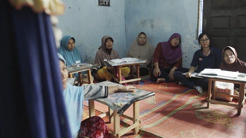 Du kan gi ei gåve til utdanning for kvinner i Indonesia på Giving Tuesday