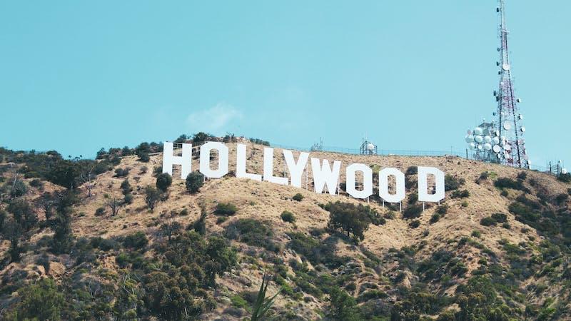 8 ting Hollywood vil lære oss om kjærlighet som ikke er sant